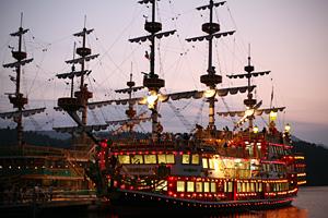 箱根海賊船の「花火観覧船」
