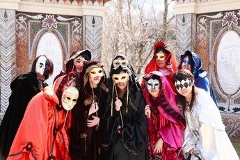 箱根ガラスの森美術館「ヴェネチア仮面祭」