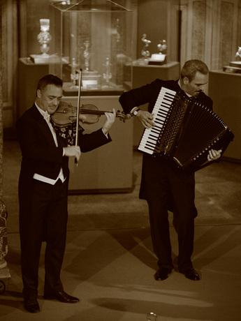 開催中 ヴェニス・セレナーデ・デュオ特別コンサート