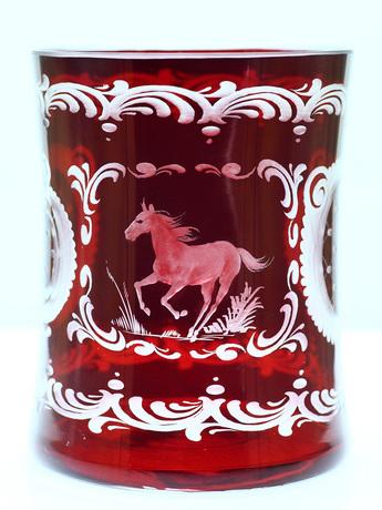 エーゲルマンガラス:馬