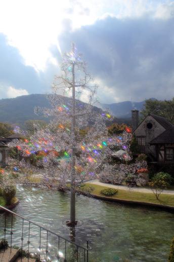 クリスタル・ガラスのクリスマスツリー「アベーテ」