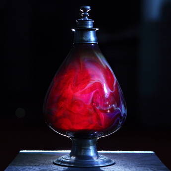 展示作品のご紹介:マーブル・グラス・デカンター