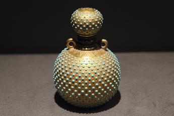 展示作品のご紹介:点彩文香水瓶