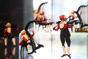 ガラスの楽団