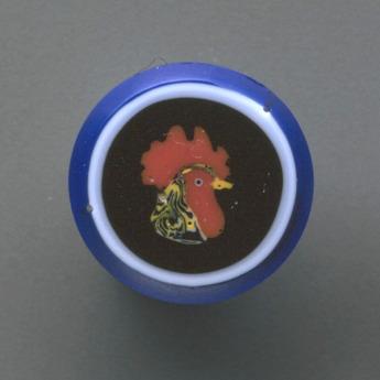 収蔵作品のご紹介:モザイク・グラス『雄鶏』
