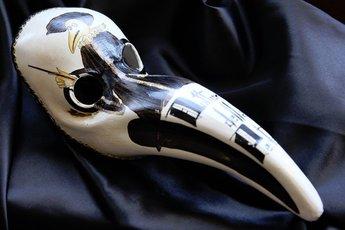 ヴェネチア仮面「ペスト医師(medico della peste)」