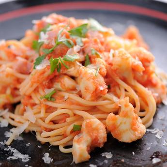 カリフラワーとトマトソースのスパゲッティ
