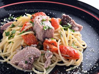 カフェ・レストラン秋の新メニュー「戻り鰹のスパゲッティ」