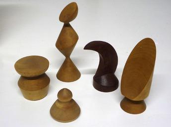 木製チェスの駒.jpg