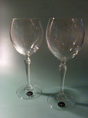 チェコ製ローズ柄ワイングラス