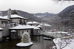 箱根ガラスの森美術館の雪景色