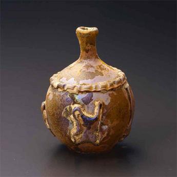 展示作品のご紹介:ガラス熔着装飾瓶