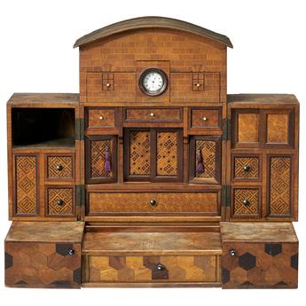 「モザイク美の世界」展示作品のご紹介:家形変り箪笥